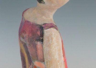 Pige med spraglet kjole