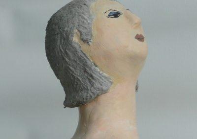 Kvinde med ny frisure udsnit